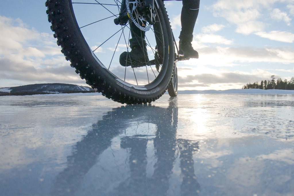 Schwalbe Ice Spiker Perfomance Pro on some really slippery ice